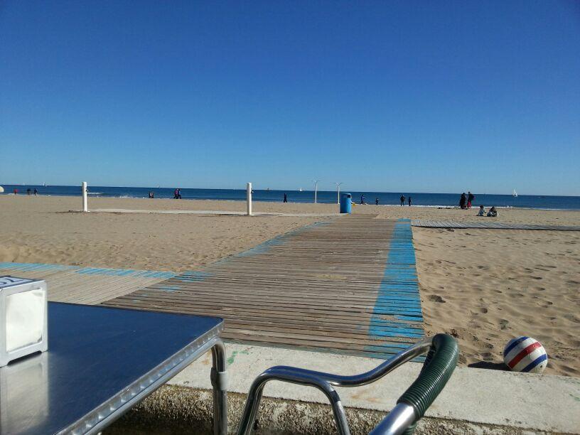 Playa Malvarrosa en enero