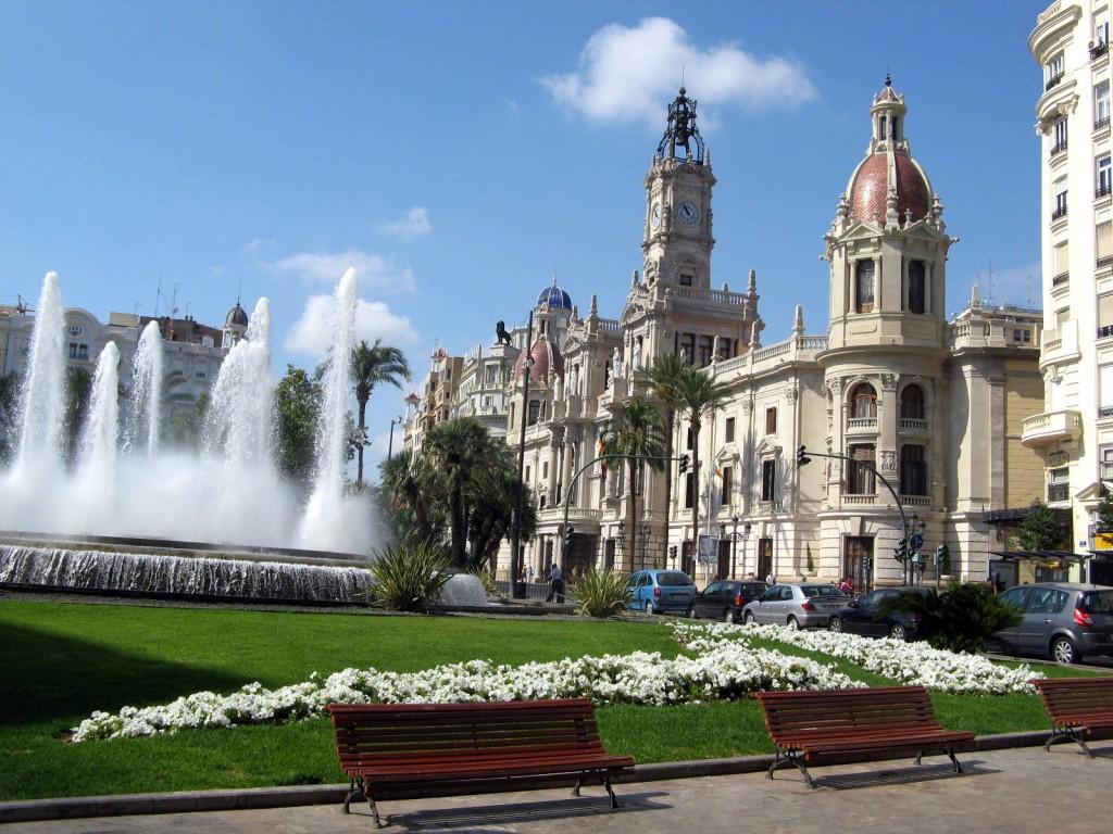 Photo du centre historique de Valence avec la Plaza del Ayuntamiento