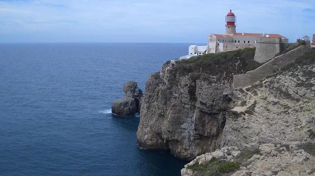 le phare du Cabo de San Antonio est l'emblème et le monument le plus connu du parc naturel de San Antonio