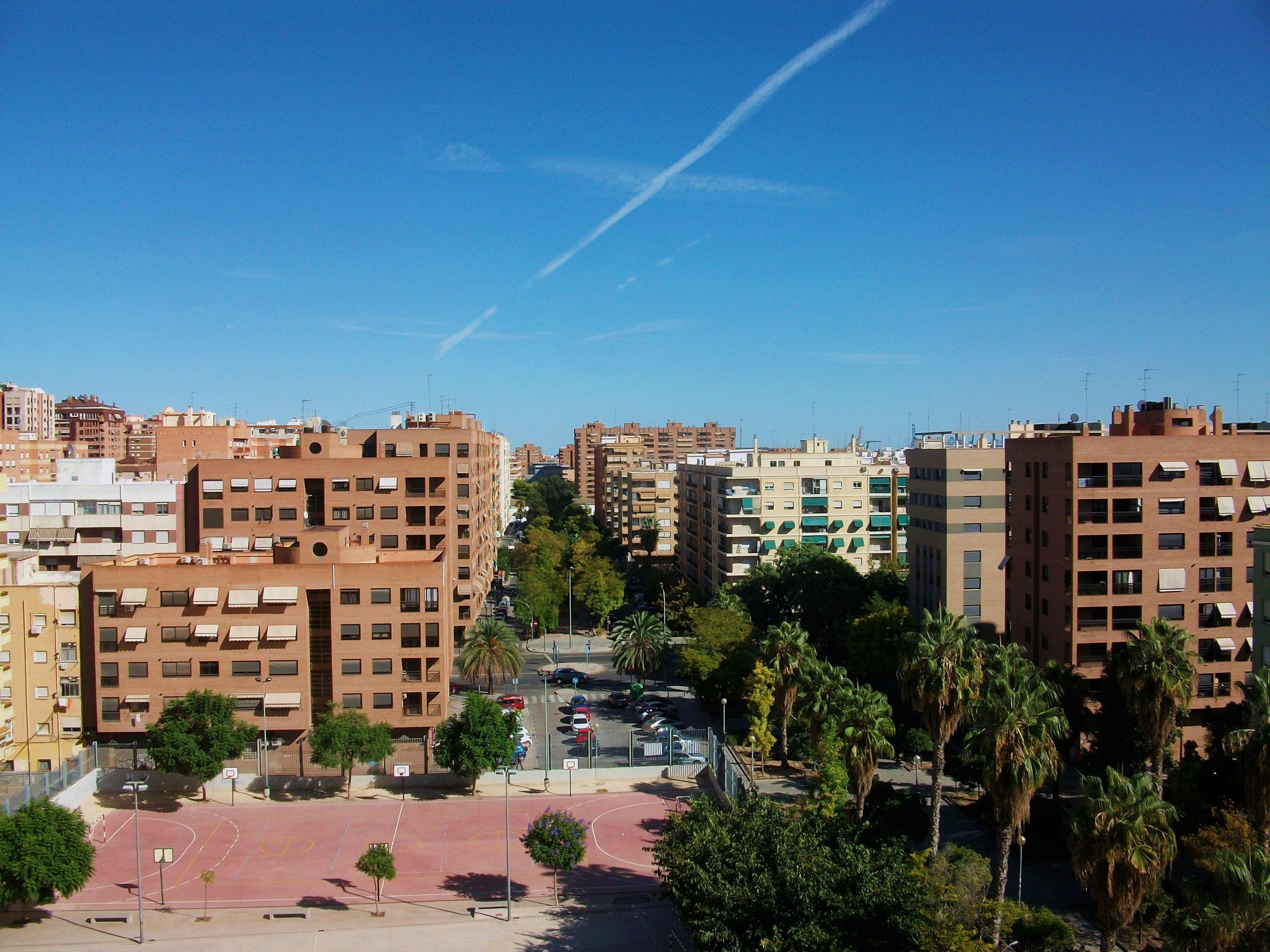 Les quartiers Algiros et Pla de Real sont les quartiers des universités.
