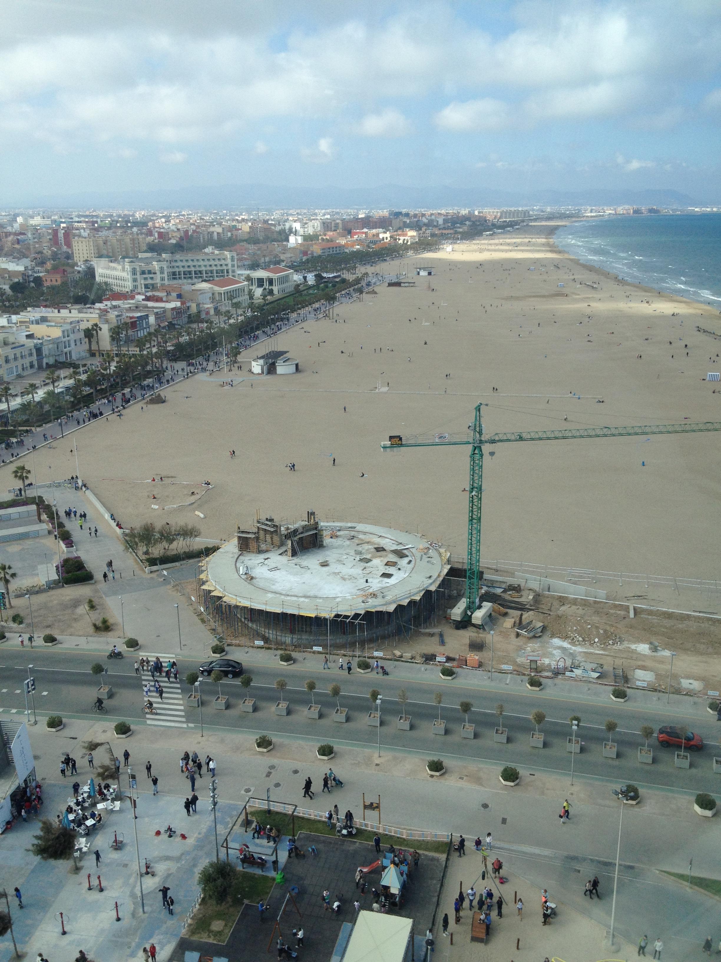 """La Malvarossa, la grande plage de Valence située tout le long du quartier """"El Cabanyal"""""""