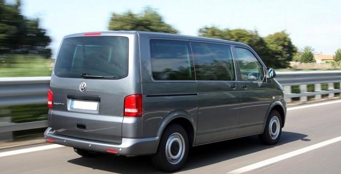 Photo d'un mini bus utilisé pour les transferts